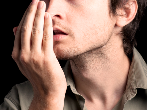 What are the foods that cause bad breath?